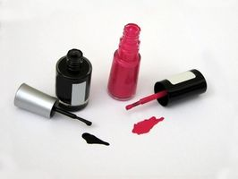 Comment puis-je Remove Nail Polish From Water-Based peinture ?